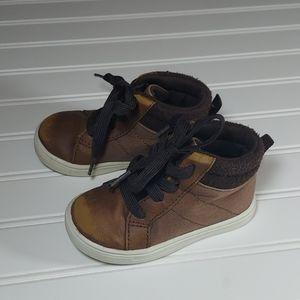 Carters short boot sz 6